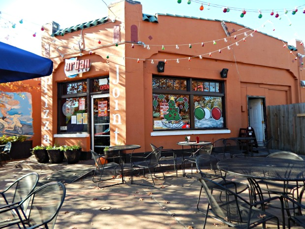 Urban Pie, a vegan-friendly Atlanta Pizza Joint - Gallivanting Vegan